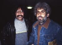 Sebastiano e Tano occhiali grandi per vedere meglio